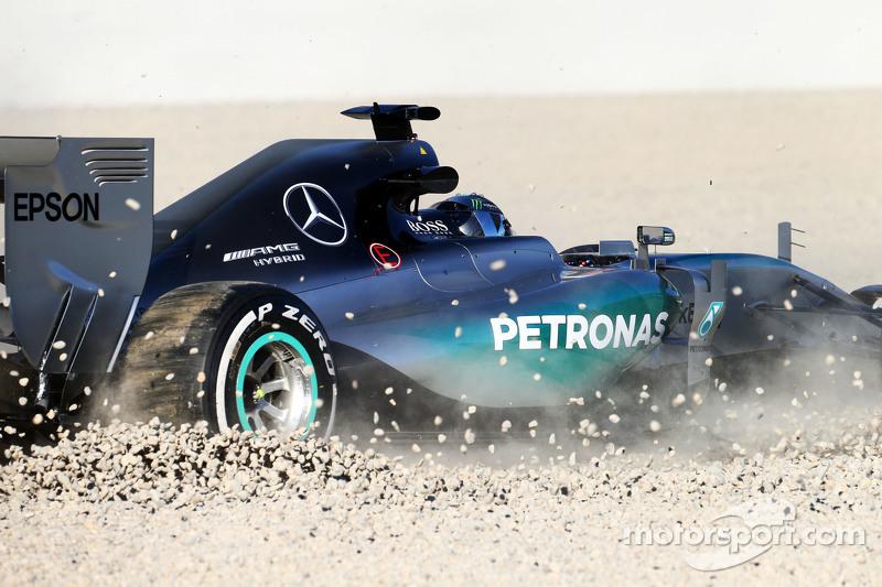 Ніко Росберг, Mercedes AMG F1 W06 розвертає машину