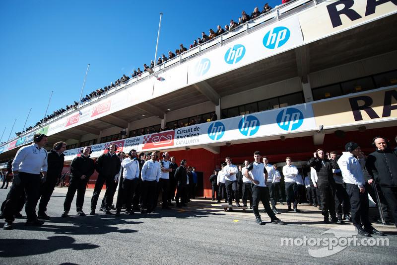 McLaren ekibi Fernando Alonso'yu bekliyor
