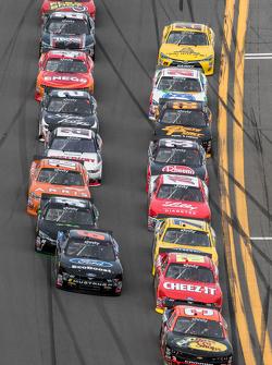 Ty Dillon, Richard Childress Racing, Chevrolet, in Führung