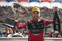 Yarış galibi Fabian Coulthard, Brad Jones Racing Holden