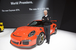 Chairman  Executive Board of Porsche AG Маттіас Мюллер разом з Porsche 911 GT3 RS
