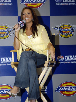 Press conference: country music recording artist Sara Evans