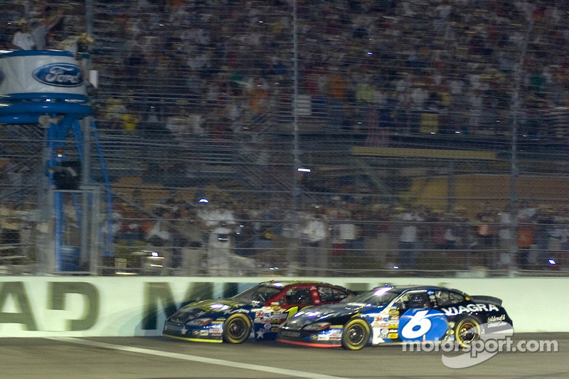 Homestead 2005: Greg Biffle vs Mark Martin