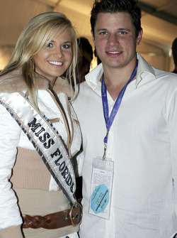 Singer Nick Lachey with Miss Florida Cristin Duren