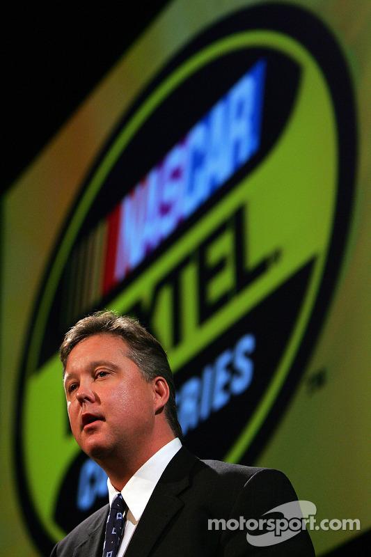 Brian France, président et directeur général du NASCAR, prononce son discours annuel à une conférence de presse
