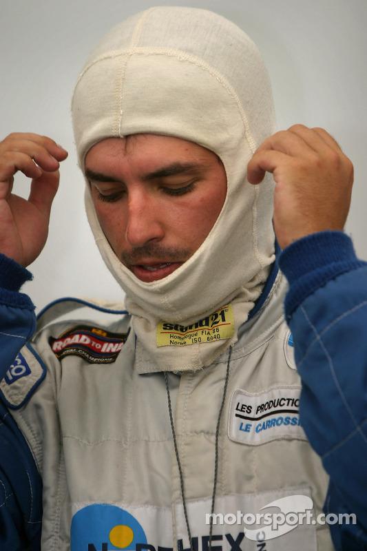 Marc-Antoine Camirang se tient prêt