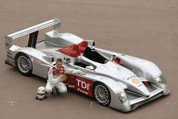 Tom Kristensen mit dem neuen Audi R10