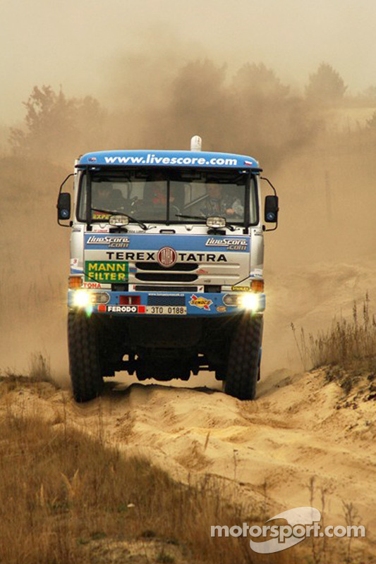 Equipe Tomas Tomecek Letka Racing: Tomas Tomecek, Vojtech Moravek et Vlastimil Buchtyar essaient la Tatra 815 Dakar Terrno