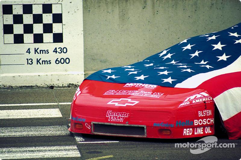 1995 год. Автомобиль Chevrolet Corvette ZR-1 команды ZR-1 Corvette Team USA