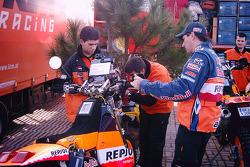 Andy Caldecott and Jordi Viladoms