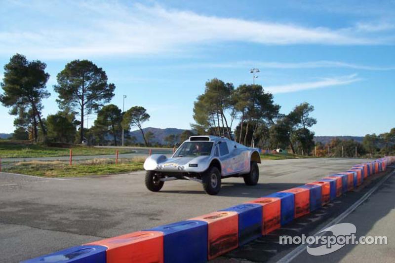 Vanguard Racing test en France: Ronn Bailey essaie la voiture 2006 Vanguard Racing Rally