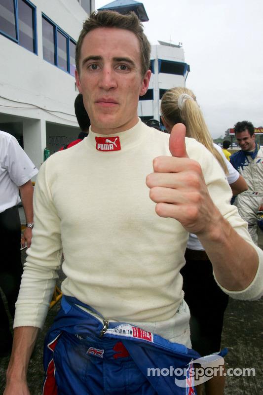 Le vainqueur de la pole position Robbie Kerr
