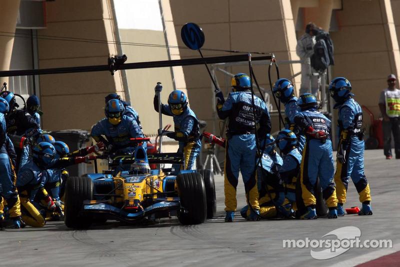 Parada en pits para Giancarlo Fisichella