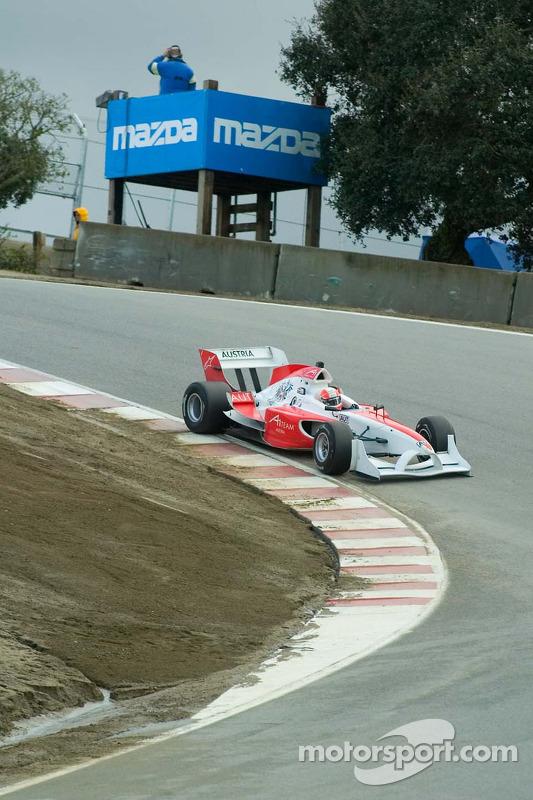 Le pilote de l'équipe d'Autriche Mathias Lauda