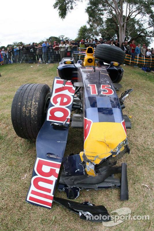 La voiture détruite de Christian Klien