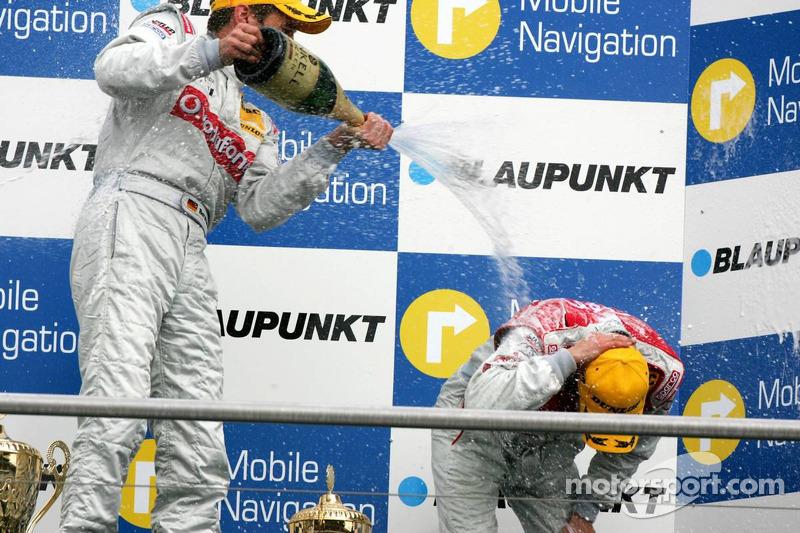 Podium: champagne pour Bernd Schneider et Heinz-Harald Frentzen