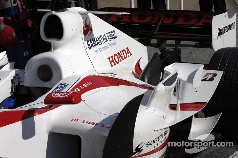Nouveaux réglages aérodynamiques de la Super Aguri F1 SA05