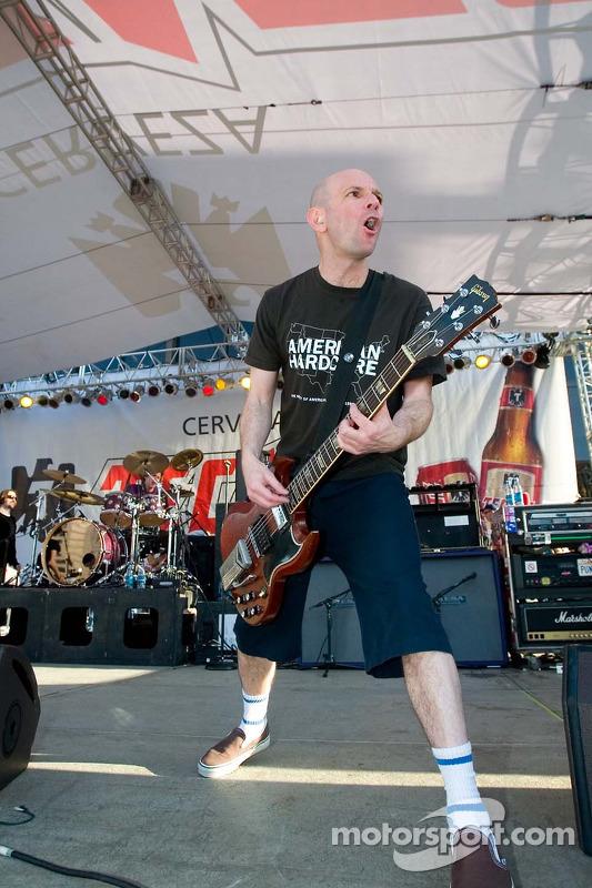 Le guitariste de Bad Religion Greg Hetson