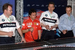 Chilled Thursday: engineers of BMW Sauber an Ferrari play with carrera remote control cars
