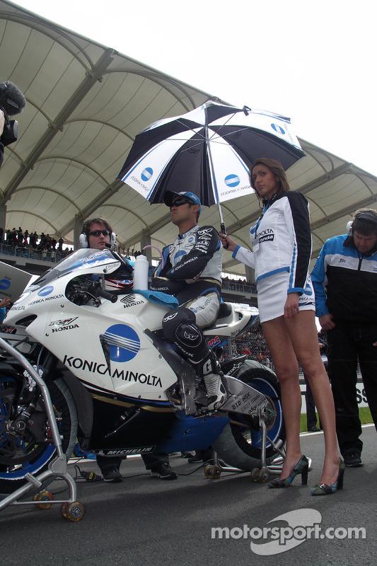 Makoto Tamada sur la grille de départ