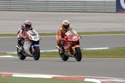 Marco Melandri, Gresini Honda; Casey Stoner, LCR Honda
