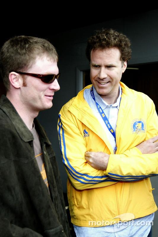 Dale Earnhardt Jr. Et l'acteur Will Ferrell discutent