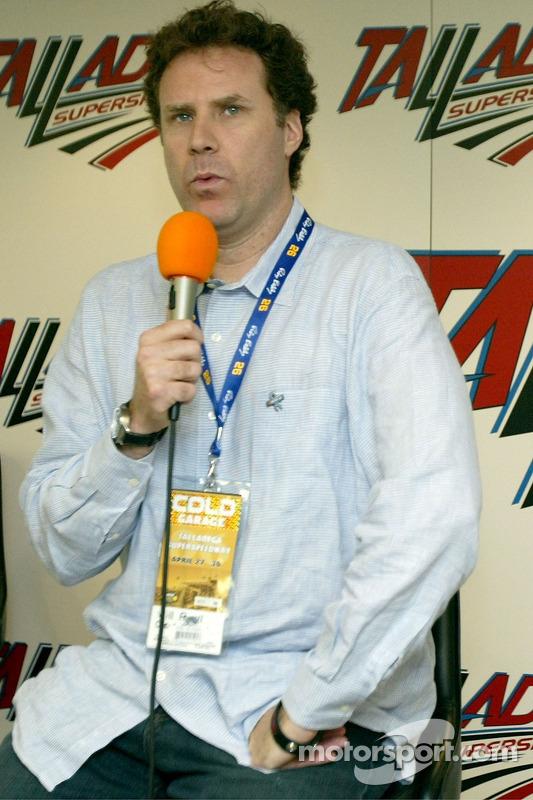 L'acteur Will Ferrell parle à une conférence de presse