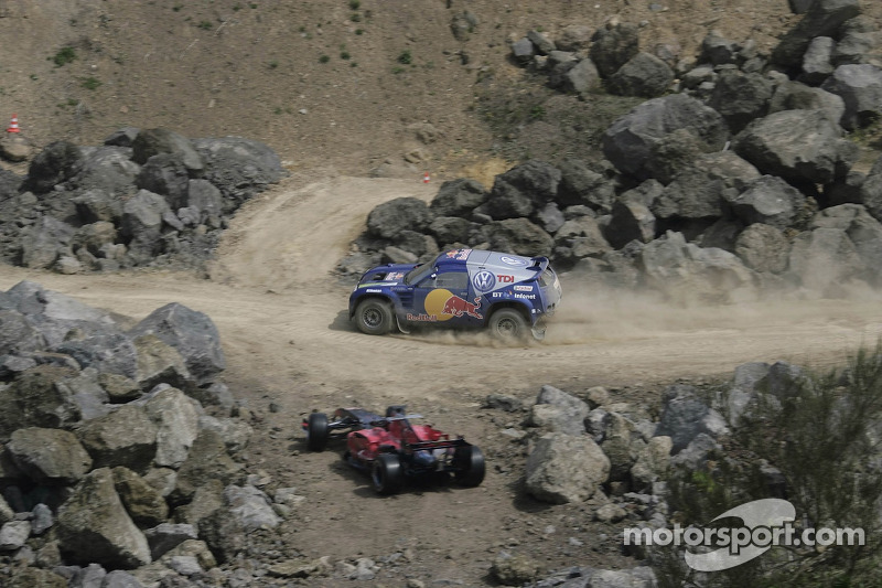 Red Bull: un Volkswagen Touareg et une monoplace Scuderia Toro Rosso