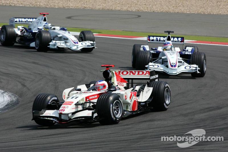Rubens Barrichello devant Jacques Villeneuve et Nick Heidfeld
