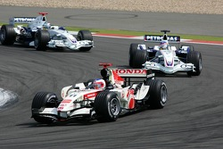 Rubens Barrichello leads Jacques Villeneuve and Nick Heidfeld