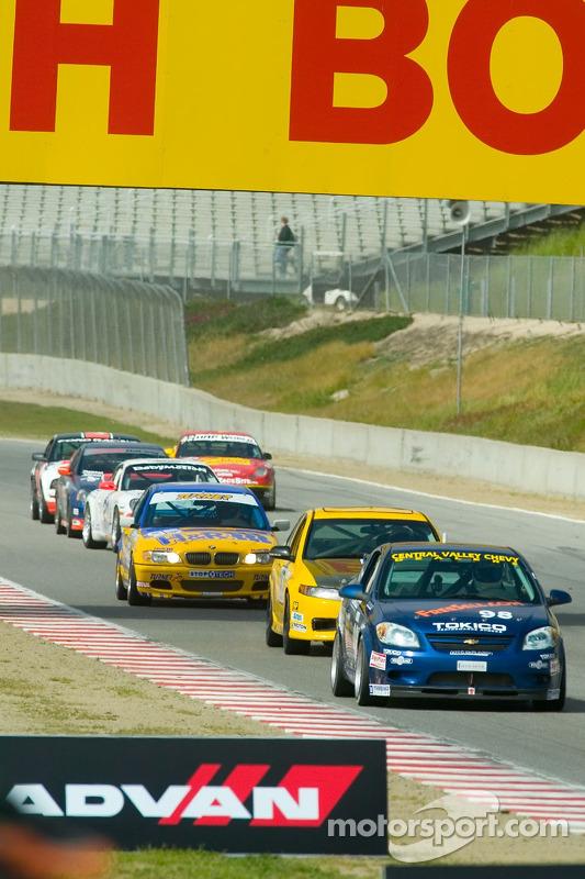 Les voitures circulent sous régime de drapeau jaune