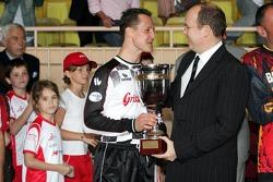 Match de football de charité: Prince Albert de Monaco et Michael Schumacher