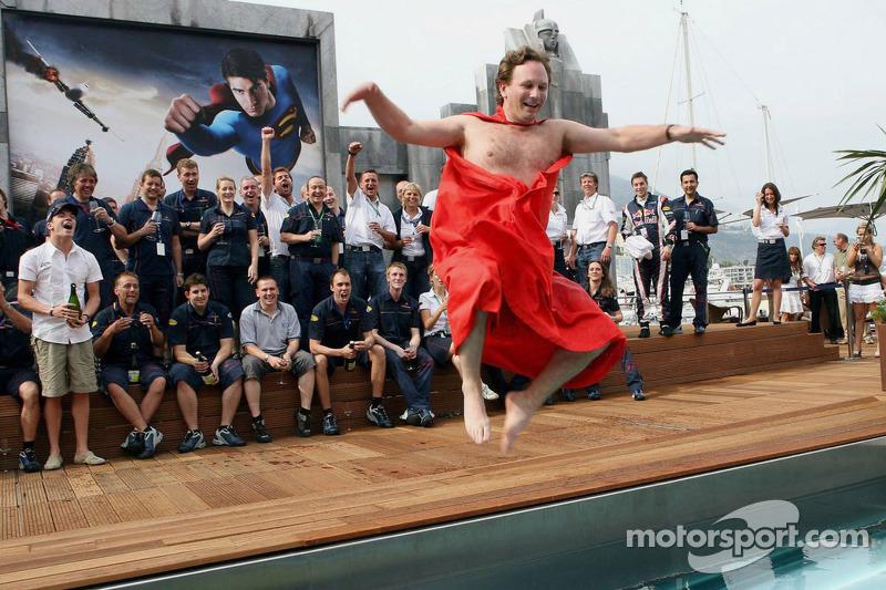Le directeur sportif de Red Bull Christian Horner a fait bien de parier que si l'équipe est sur le podium, il plongera nu dans la piscine