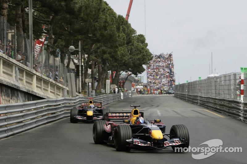 Christian Klien delante de David Coulthard