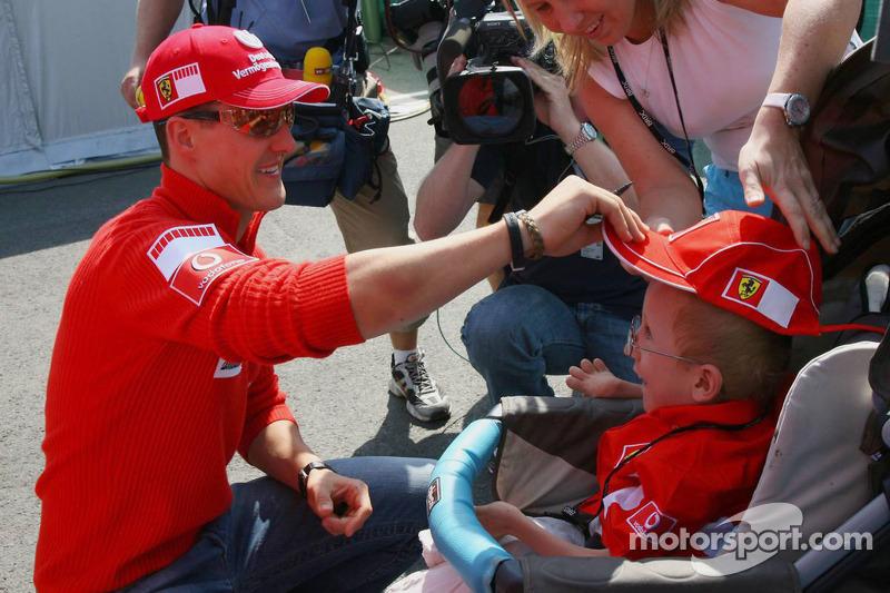Michael Schumacher rencontre un fan