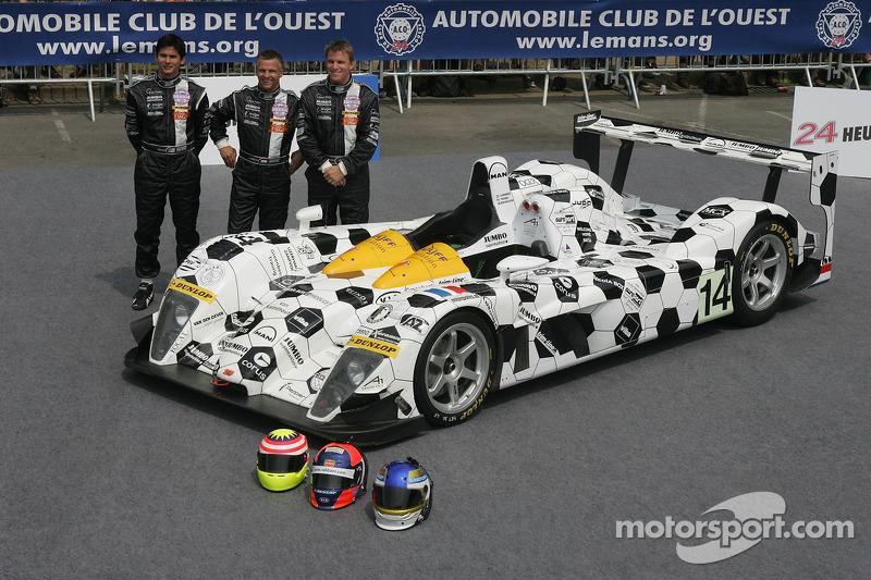 Jan Lammers, Alex Yoong, et Stefan Johansson avec Racing for Holland Dome Mugen