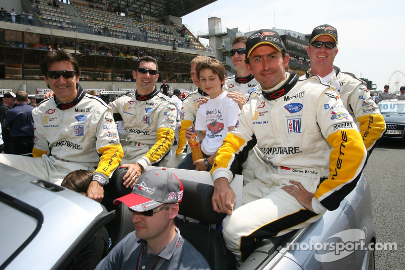 Ron Fellows, Max Papis, Jan Magnussen, Oliver Gavin, Olivier Beretta et Johnny O'Connell
