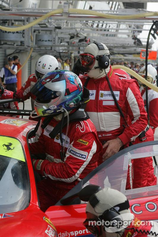 Changement de pilote pour la #87 Scuderia Ecosse Ferrari 430 GT