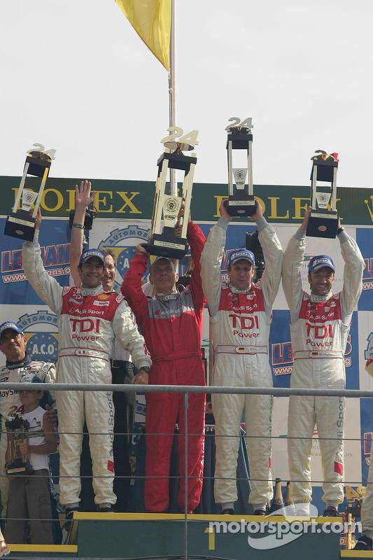 LMP1 Podio: ganadores Marco Werner, Frank Biela y Emmanuele Pirro