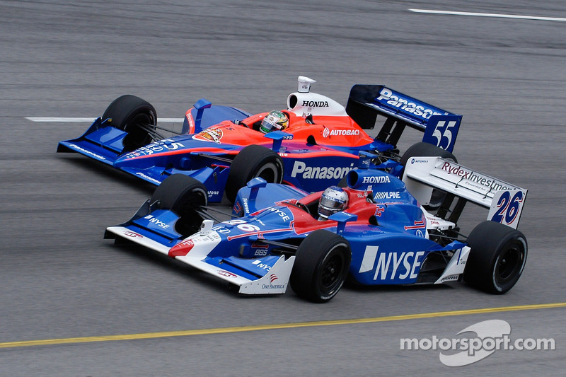 Marco Andretti et Kosuke Matsuura roue contre roue