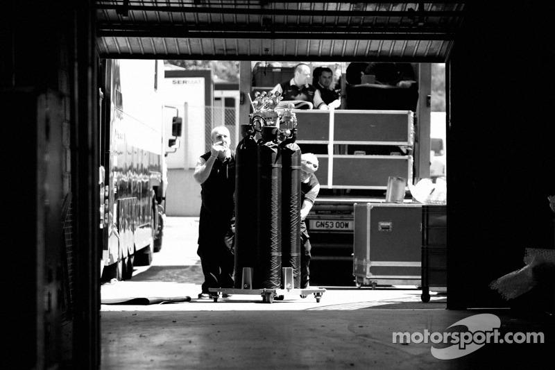 Réglage du stand de Aston Martin Racing