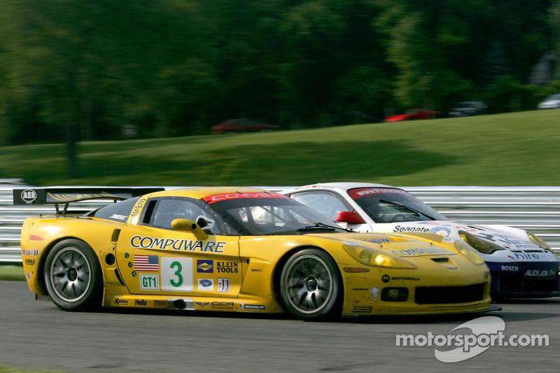 #3 Corvette Racing Corvette C6-R: Ron Fellows, Johnny O'Connell, #23 Alex Job Racing Porsche 911 GT3 RSR: Mike Rockenfeller, Klaus Graf