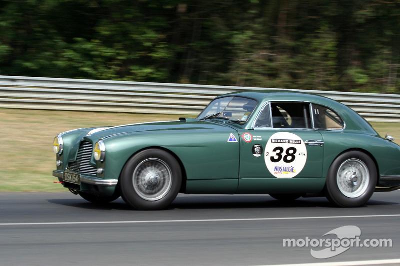 #38 Aston Martin DB2 1952