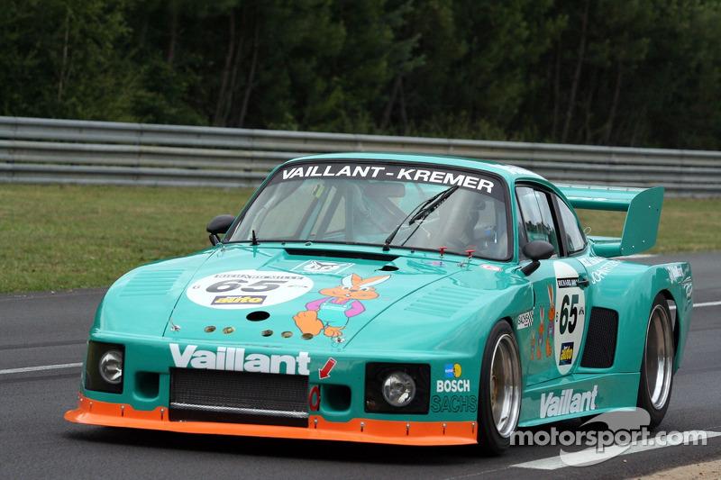 #65 Porsche 935 K2 1977