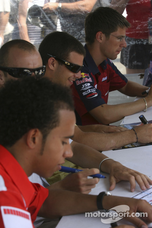 Michael Ammermuller, Ernesto Viso, Gianmaria Bruni,  Lewis Hamilton et Nelson A. Piquet