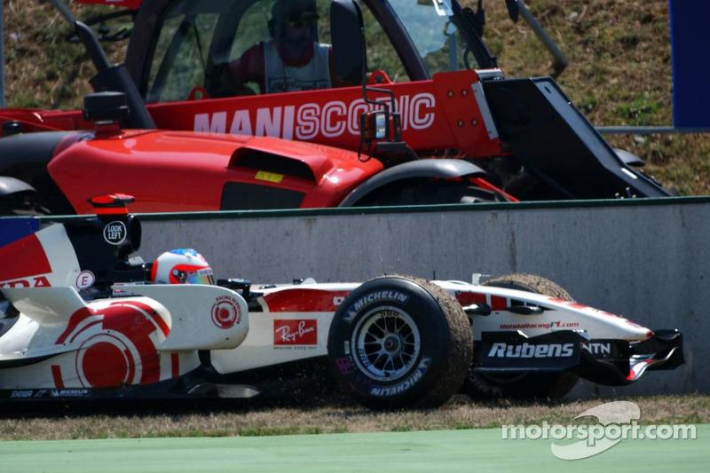 Rubens Barrichello s'est retiré de la course