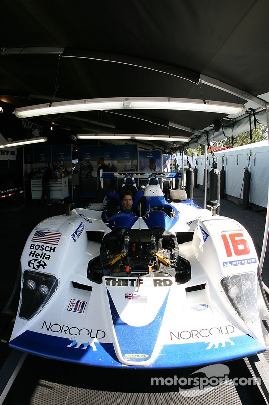 La zone de Dyson Racing Team dans le paddock