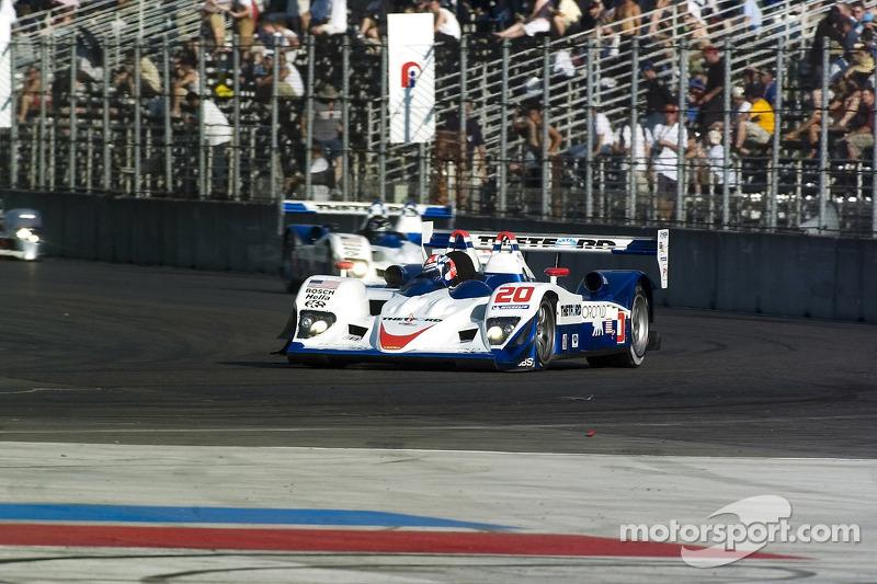 #20 Dyson Racing Team Lola B06/10 AER: Chris Dyson, Guy Smith, #16 Dyson Racing Team Lola B06/10 AER