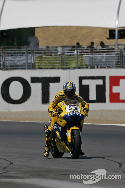 La séance de Colin Edwards débute