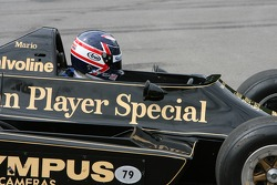 Грег Мэнселл за рулем Lotus Cosworth 79